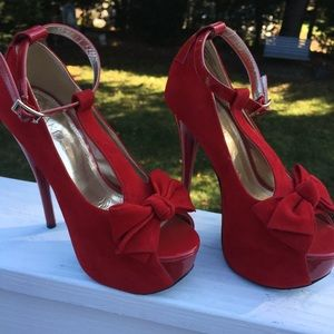 Red Bow Tie Heels